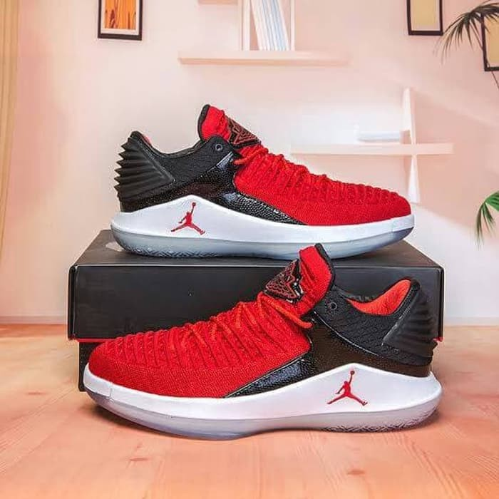Nike Air Jordan Seri XXXII